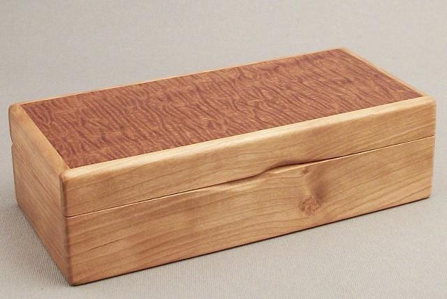 custom box, inlaid box, hinged box