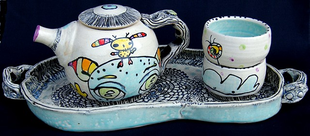 Tea Set with Tray (side view)