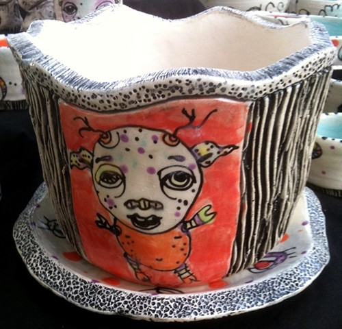 clay, ceramics, flowerpot and plate, wheel thrown, creatures, hand made, hand carved, hand drawn