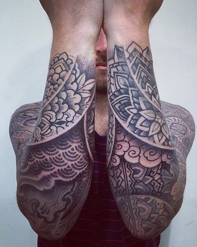 Alvaro Flores Tattooer