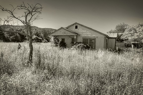 Old House On Dead End Road