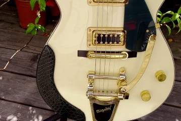 Gretsch Custom Hollow-Bodied Pro Jet: Detail of Top