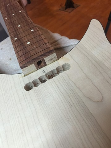 NECK CONSTRUCTION WITH PADAUK FRETBOARD, SINGLE TRUSS ROD