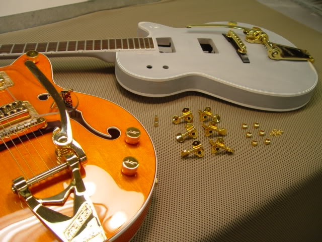 Gretsch Custom Hollow-Bodied Pro Jet: Dimunitive Size, Thickness Next to 6120 Jr.