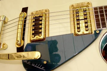 Gretsch Custom Hollow-Bodied Pro Jet: Extreme Close Up of Pickups