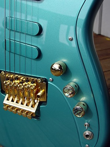 Fender Custom Long Scale Duo-Sonic with Active Electronics--Detail of Front