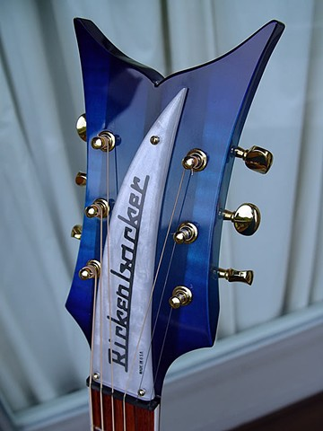 Flamboyant Fishtail Headstock