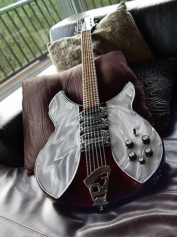Rickenbacker Light Show Solid State Conversions--MEXICO: Burgundyglo 340 Light Show At Rest