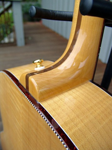 Rickenbacker Acoustic--700C/6 Mapleglo--Close Up of Neck Heel