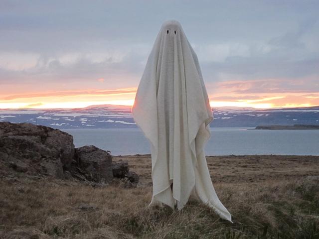 Icelandic Wool Ghost Blanket, Reykjanes