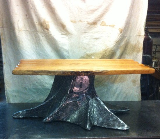 Treestump table