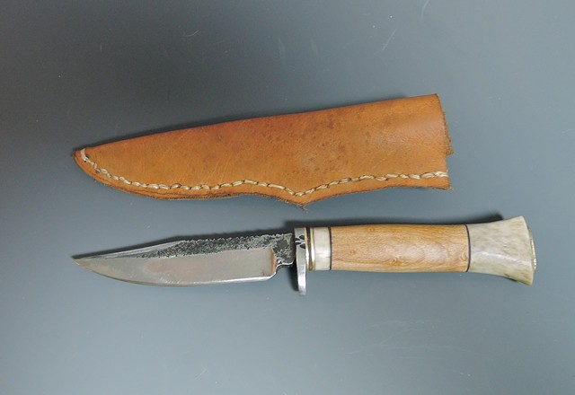 natural materials and careful craftsmanship- simply one of the most beatutiul knives I've ever made