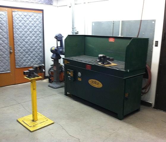 metal grinding room