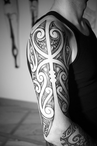 Maori inspired upper 1/2 sleeve