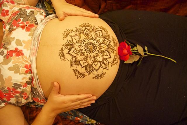 Henna Belly Mandala