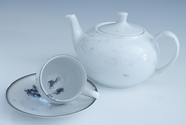 drawings on Vintage porcelain china