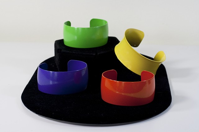 Medium Cuffs Four Colors