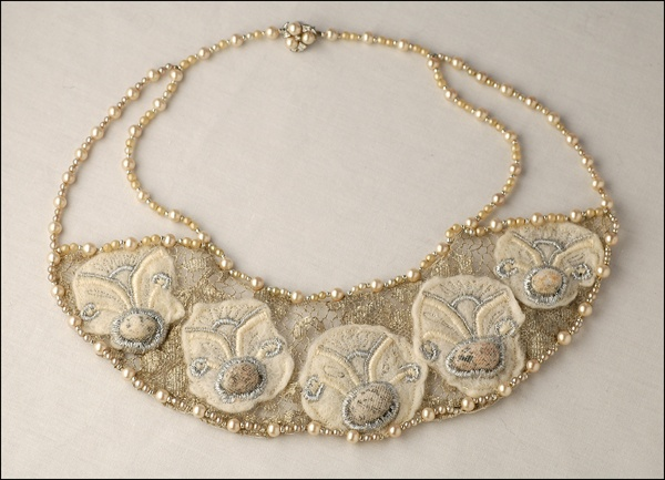 collar silk pearl