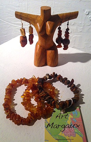 Fraser Street gallery, art margaux, flowers, jewelry, amber