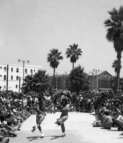 Venice Beach Ca. rollerskating exhibition