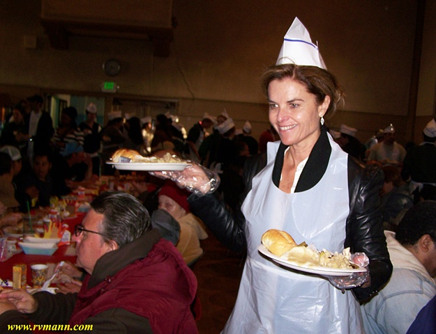 """Maria Shriver"" Serving Dinner at the  St Monica's Thanksgiving Day Charity Feast"