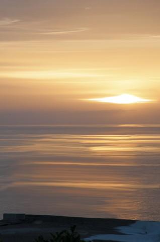 l'alba al mare