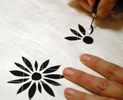 cutting a stencil to use with a blank screen