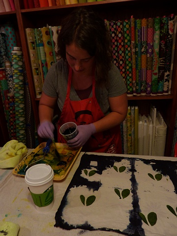Kami working with thickened dyes