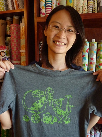 Yen with her cool dino shirt!