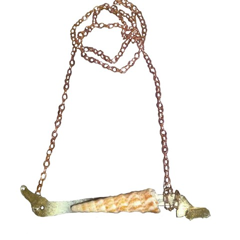 horizontal long snail shell necklace