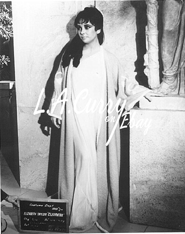 ELIZABETH TAYLOR CLEOPATRA  LOST COSTUME  TEST ITALY  1962