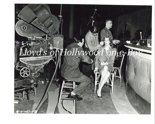 RITA HAYWORTH BEHIND SCENES HAIR & MAKEUP GILDA 1946