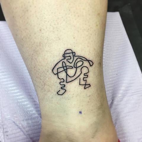 Mackenzie Meyers - Minimalist Tattoo