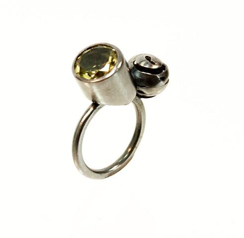 sterling silver ring, lemon quartz , contemporary jewelry