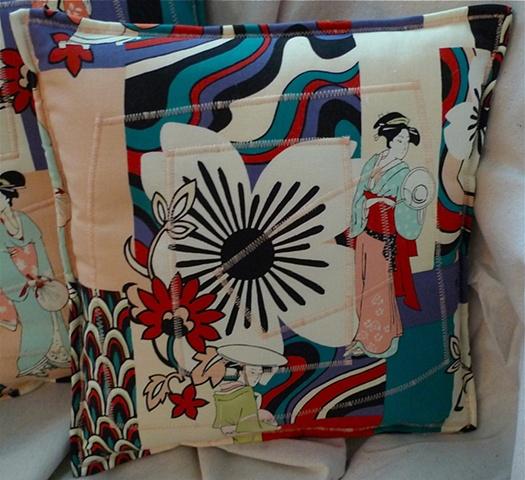 (Time Travel Pillows) PeachThread, Small