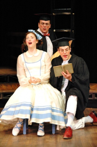 "Bianca (Nicole Rodenburg) and Lucentio ""as Cambio"" (Christopher Hirsch)"