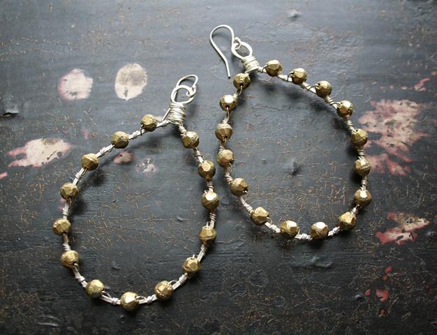 Serena earrings in brass