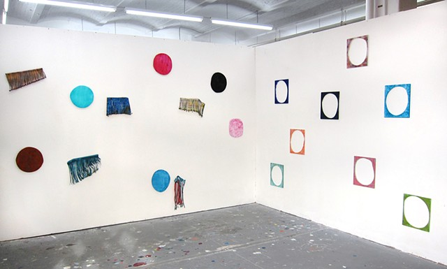 Circles and Wigs, Installation