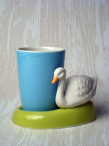 WHITE SWAN BLUE CUP