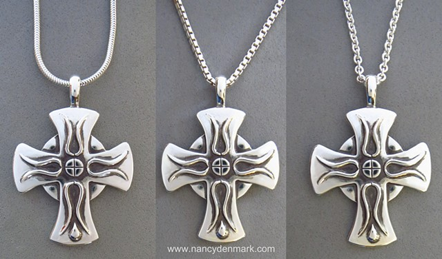 recommended chain styles for large Cross of Iona ©Nancy Denmark