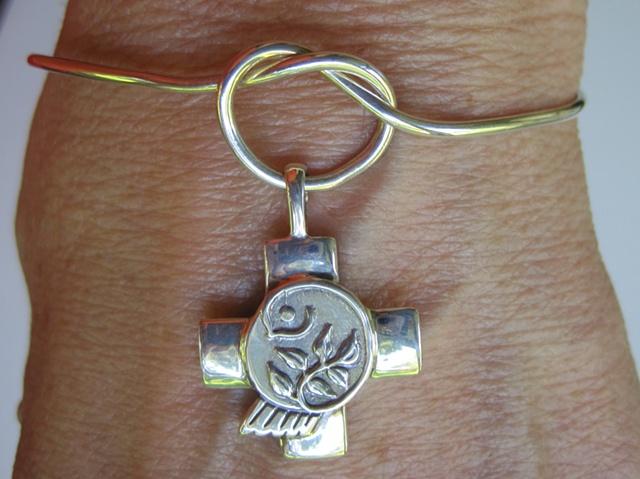 love knot sterling wire bracelet
