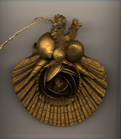 Rich Gold Shell Ornament
