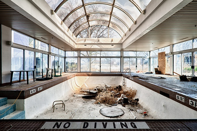 urban decay photography urbex beautiful deconstruction purple hotel lincolnwood pool diving lounge emerging artist