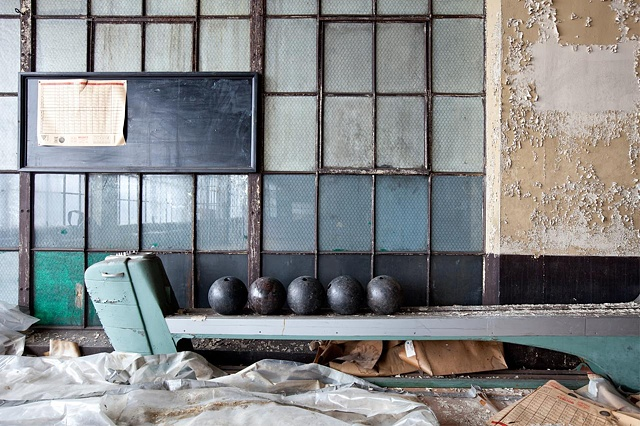 urban decay photography urbex beautiful deconstruction lace factory textiles
