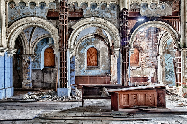 urban decay photography urbex beautiful deconstruction church chicago