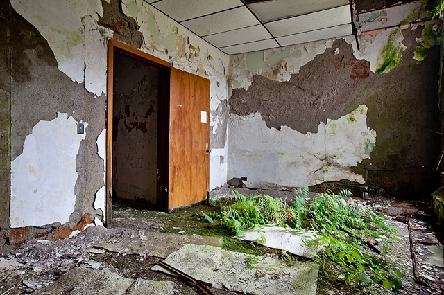 urban decay photography urbex beautiful hospital ghost haunted buffalo