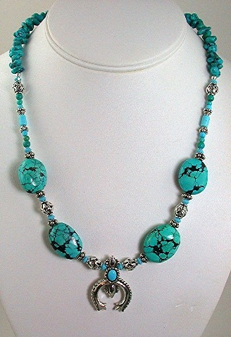 Turquoise Cabachon Pendant with Turquoise Nuggets