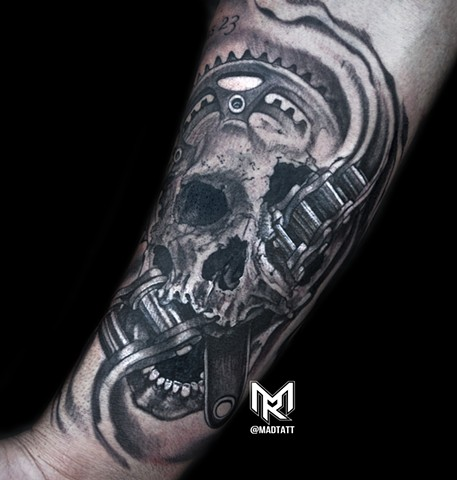 #tattooink #tattooartistsmagazine #the_inkmaster #tattoo #tatt #skulltattoo #art #toronto #tdot #torontomagazine #tattoolifemagazine #getink_canada #tattooaddict #addictedtotattoos #cycle #bike #bikertattoos #instagram #art @darkartists #darkartists #amaz