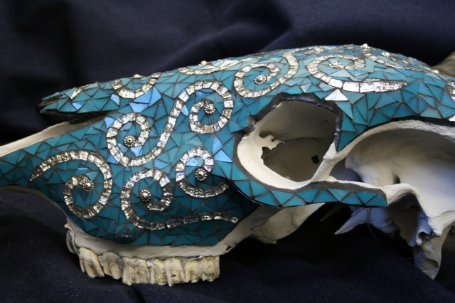 Silver Swirl Skull - side