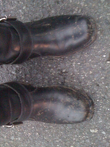 My Boots. 11th Ave NE @ NE 55th St, ~0603h